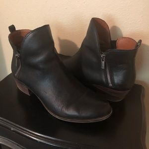 Lucky Brand Basel bootie - black leather!